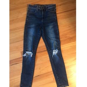 AE Highrise Jeans